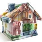 Weergave van een huis gemaakt uit briefgeld